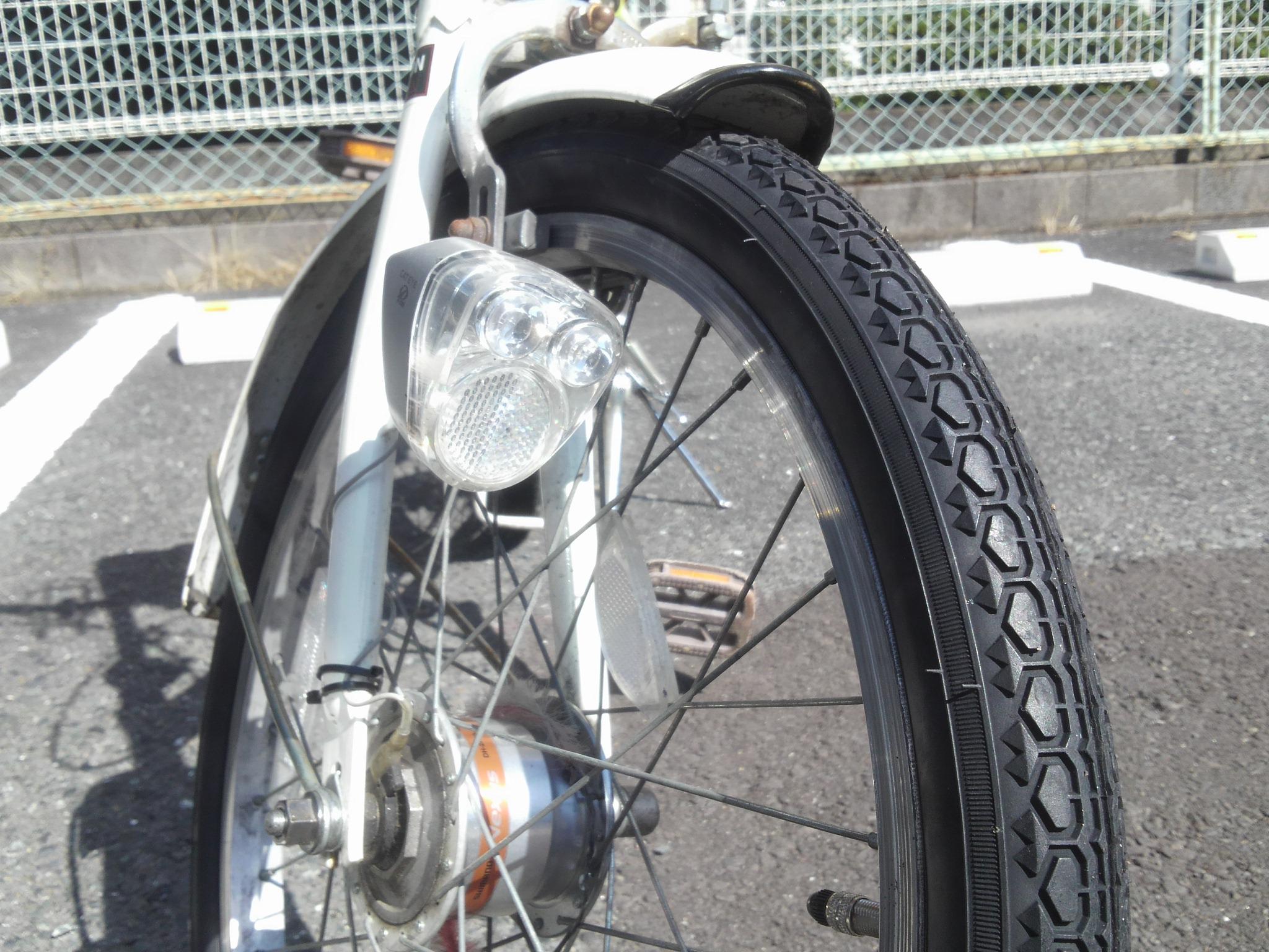 自転車の 自転車 タイヤ交換 前輪 : 折りたたみ自転車のタイヤが ...